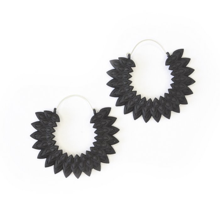 Dahlia earrings black
