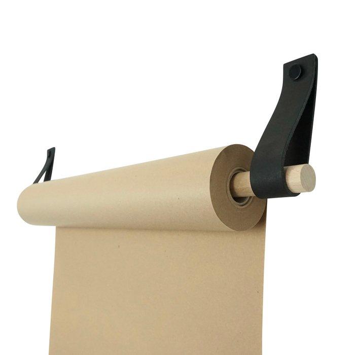 Leather paperroll holder (Paper roll: brown/craft, Tube: wood)  |  Tekenrol - aan leren lussen