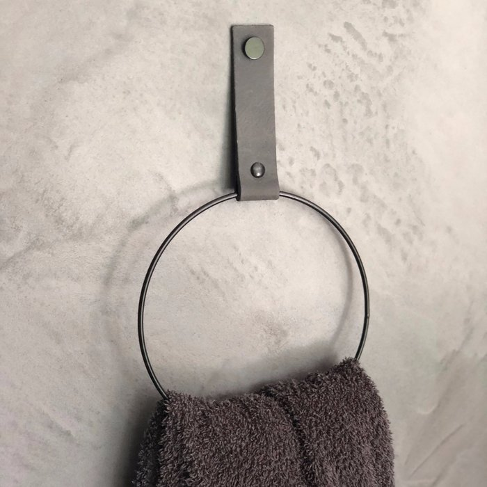 Leather towelring - SIZE M  |  Leren handdoekring - maat M