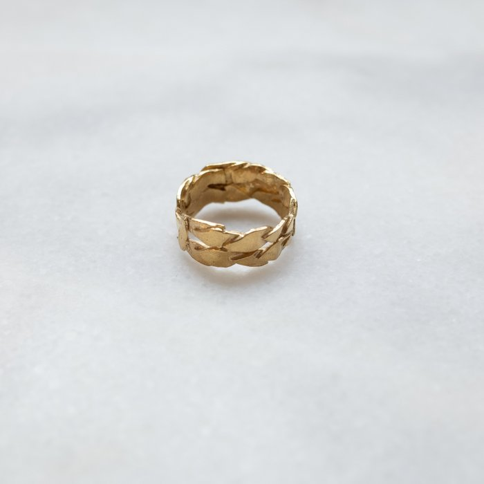 Caesar ring