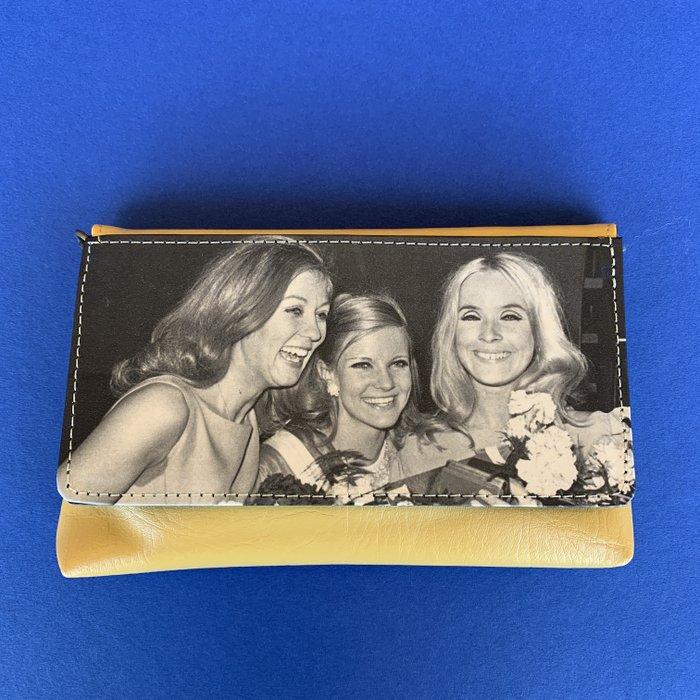 Mustard Beauty Vintage Cover Vegan Lazy Bag
